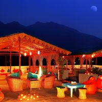 Rooftop common area  with mountain view in Hostel Rishikesh