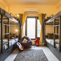 6 bed female dorm in Zostel South Delhi