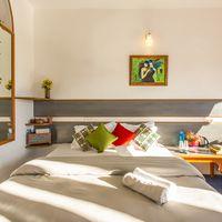 Bright, comfortable private room in Zostel Mukteshwar