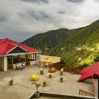 Exterior, close-up view of our hostel in Dalhousie