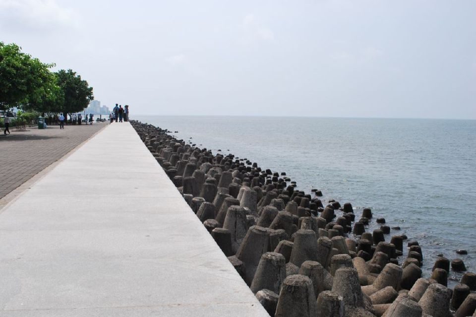 marine_drive_mumbai_india_1152_12891305933_tpfil02aw_8729_2