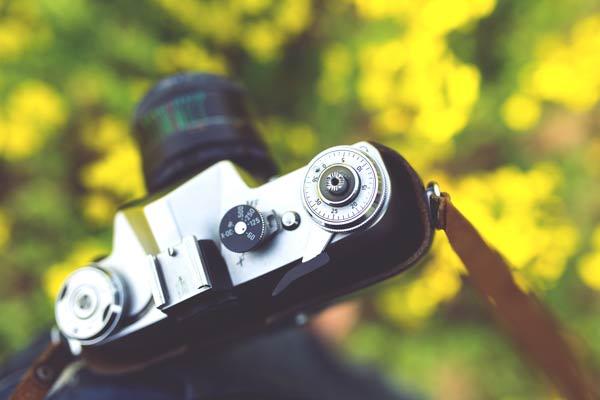 camera-photographer-photography-vintage_600X400