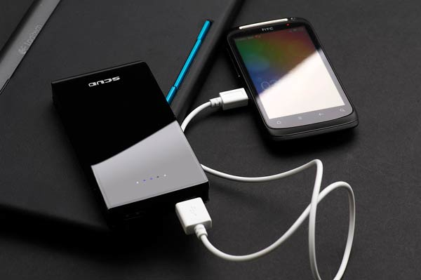 sony_usb_charger_power_bank_mobile_600X399