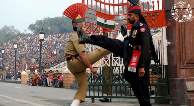 Golden-teple-and-wagah-border-ceremony-big