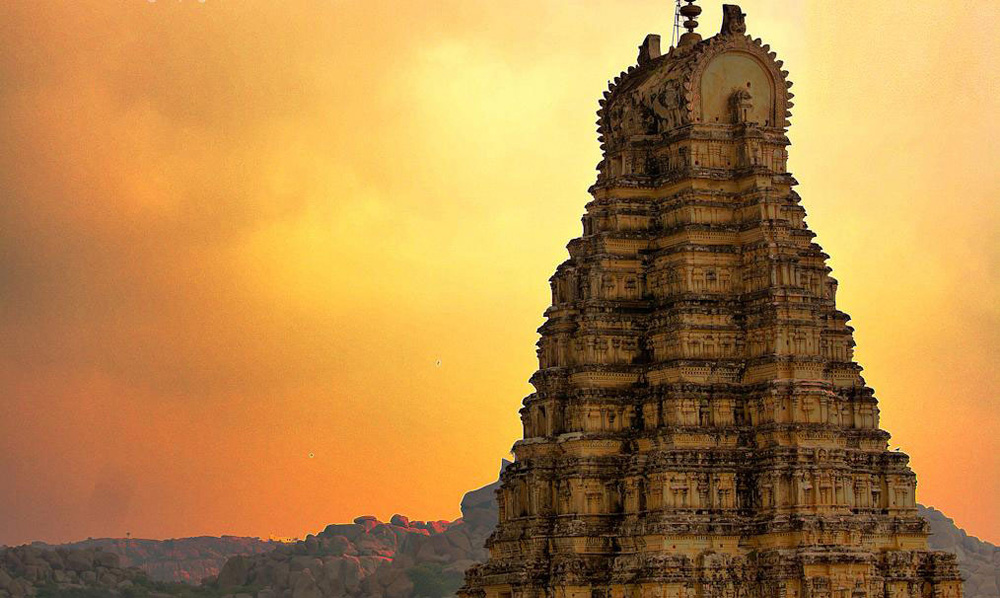 high-and-above-at-virupaksha-temple-hampi