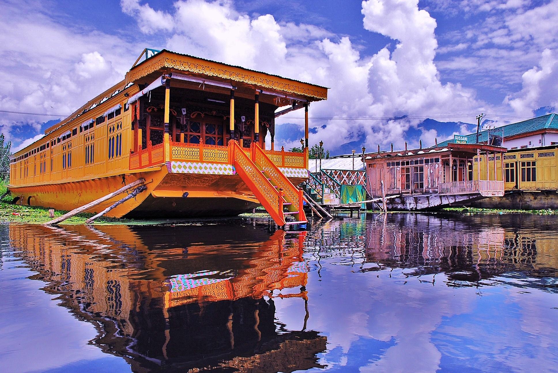Houseboat-_Dal_Lake