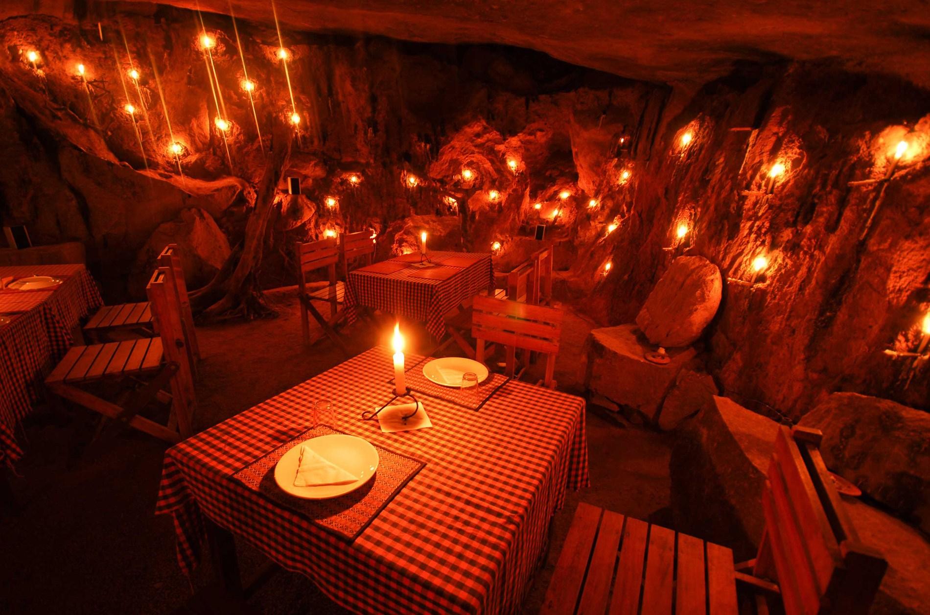 cave restaurant - Edakkal