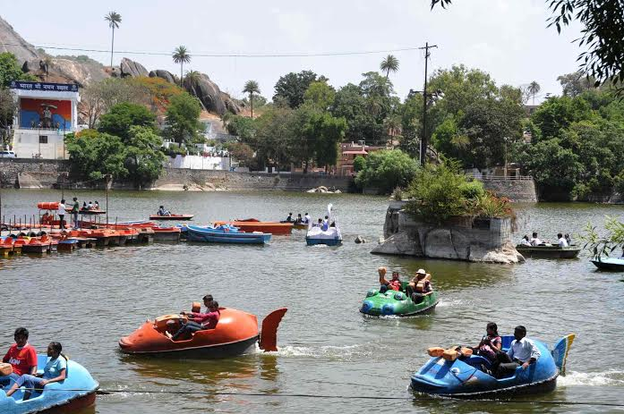 mt-abu boat race