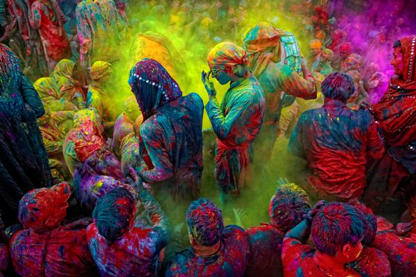 zoomcar.com - holi at Mathura
