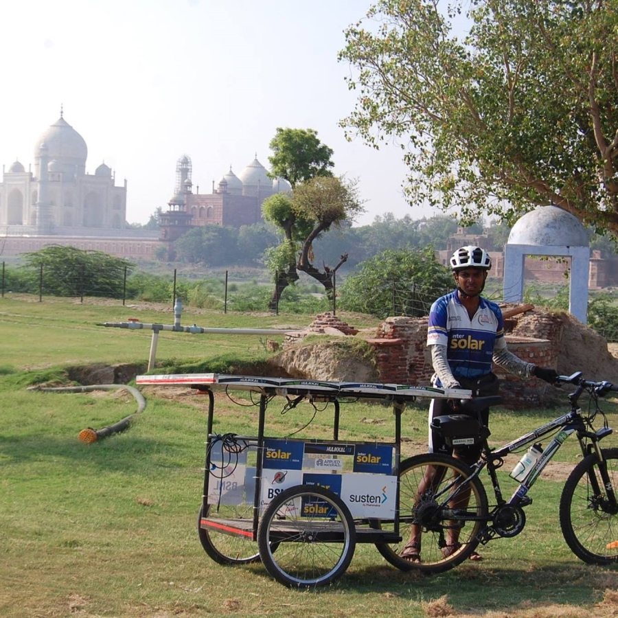 zoomcar.com - Sun Pedal at the Taj Mahal